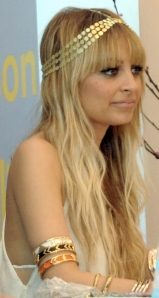 nicole-richie-headband-hairstyle